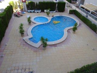 Apartamento Puerto Principe Playa en Guardamar con piscina
