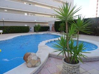 Apartamento Puerto Príncipe Playa en Guardamar con piscina