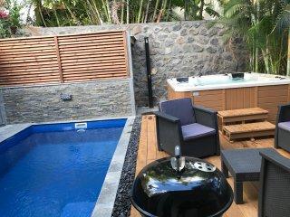 Villa des Cocotiers -Piscine, SPA, et plage à 10 secondes - villa 9 personnes