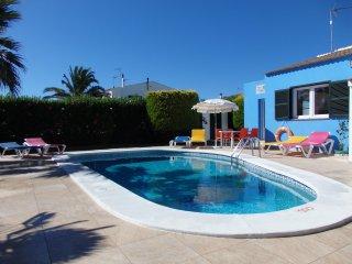 Villa Desi | Villa con aire acondicionado a 200m de la playa, max 6 plazas.
