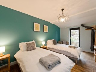 One of our 5 twin/double/triple rooms. All ensuite with linen and towels provided