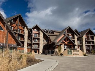Great, newly renovated 2 bedroom 2 bathroom condo in Canmore AB