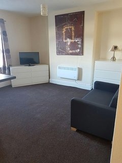 3nd Floor Top Flat  Self Contained Apartment - Central Cleethorpes