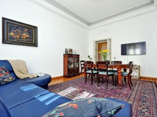 Casa Grazia apartment in Piazza di Spagna North with WiFi, air conditioning & li