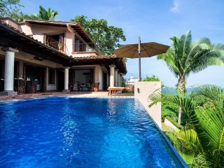 5 BR Gorgeous Villa in Conchas Chinas location , the best views from the bay!