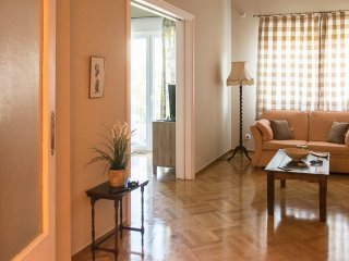 Elegant flat,next to metro-8 min from Syntagma!