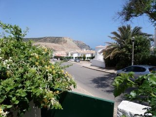 Beautiful apartment with sea view, 2 minutes from the beach, patio, WiFi
