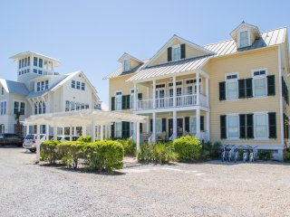 Gulf District! Amazing Gulf Views! Steps to Seaside and Watercolor Beach Club