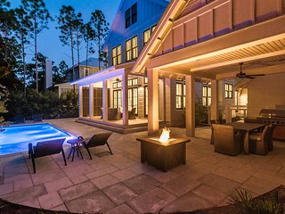 Private Pool! Three King Suites! Spacious Outdoor Patio!