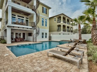 Private Heated Pool! 6 Seater Golf Cart. Private Beach Access. Gulf Views!