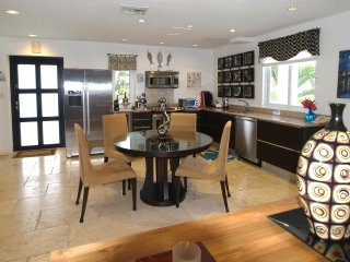 Stunning, well-appointed and designed Condo at Coral Beach Club, Oyster Bay!