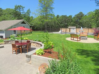 Two Cottages with a Brand New Pool, ½ mile to Private Beach: 048-B