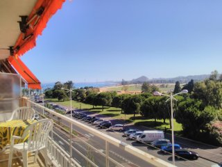 90 sqm flat, sea view,100m to the beach, free parking