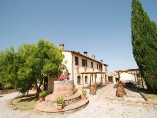 La Coppina - The Dolce farmhouse to rent near Siena, Tuscan home to let, holiday