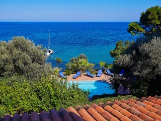 Villa Acquamarina with pool and private access to the sea