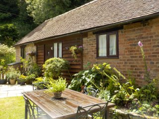 Glebe Barn Farlow - Pet Friendly