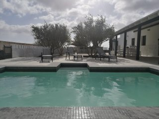 Villa Lomo Cordobes, relax & wonderfull views, pool and jacuzzi
