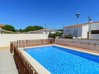 Costabravaforrent Ricardell, up to 8 with pool