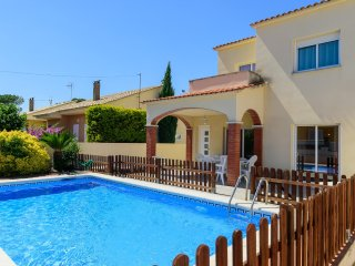 Costabravaforrent Can Ricardell, para 8, piscina