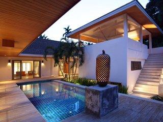 Beautiful Nai Harn Beach Villa