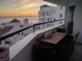 Apartamento con vistas al mar, cerca del centro y a dos pasos de la playa.Relax