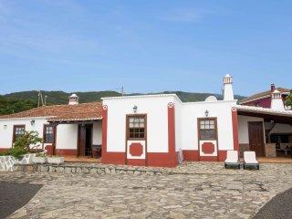 Casa Rural La Charola