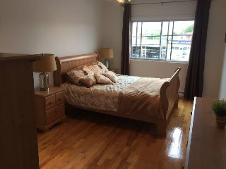 Very spacious, clean and bright 3 room apartment accommodates 6
