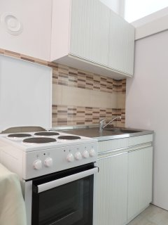 Studio Apartment Mira: kitchen