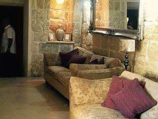 Towns end - Kercem Gozo - 300 year old Converted Farmhouse