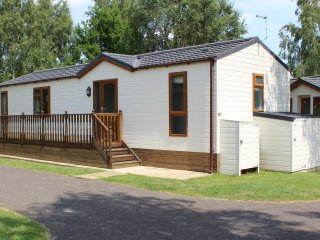 19 WENTWORTH DRIVE, chalet, on-site facilities, cosy, in Tydd St Giles, ref:9588