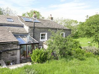 BUTTS HILL HOUSE, rustic, ground floor accommodation, Horton-in-Ribblesdale