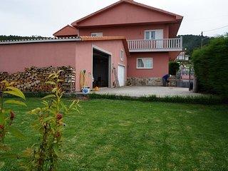 Bajo en zona rural Finisterre