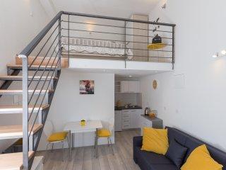 Apartments Pomet - Premium Duplex Studio with City View