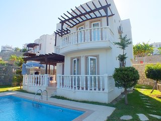 4 BEDROOM FAMILY VILLA WITH OWN POOL IN A HOLIDAY VILLAGE, BODRUM, YALIKAVAK