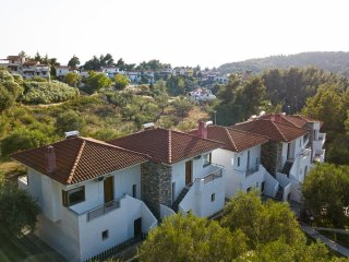 Elaia Family Villas, Elani
