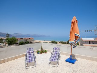 Appartamento vicino al mare per sei con terrazzo panoramico