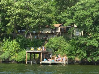 Spacious 2400q house on the East side of the lake