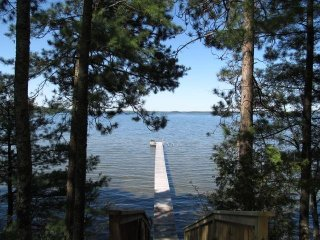 Private Hayward Get Away On 3,000 acre Grindstone Lake