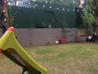 jardin avec toboggan