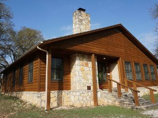 Wimberley Log Cabins Resort and Suites- The Oak Lodge