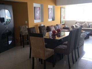MIRAFLORES PENTHOUSE 4 BEDR For 9 Exc Location