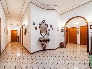 DELUXE + SUPERIOR APARTMENTS * Apulia 70 Holidays