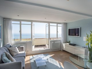 Brighton Seafront Penthouse Apartment With Private Sun Terrace, Panoramic Views