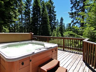 (#46) Cabin at Hyatt Lake - Hot Tub - Sleeps 4