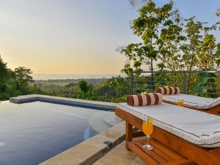 Villa Kapal - Paradise With a View