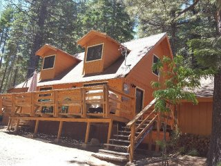 LAKE ALMANOR 3 BEDROOM HOUSE