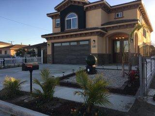 Brand New Home, sleep 14+, near beaches, Disney, Knott's, Anaheim Convention,...