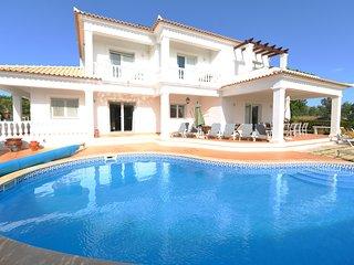 5 bed, 6 bath Villa in the Algarve