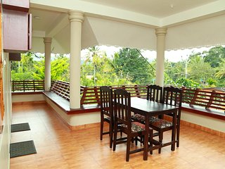 Spend your time in a traditional Kerala style at Kumily/Thekkady