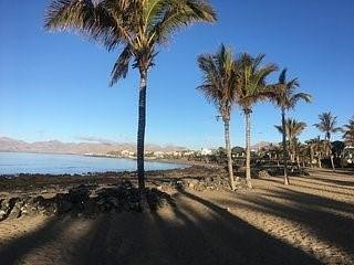 Puerto Del Carmen, Fully furnished, sleeps 4, Air con,wifi, 10 min walk to beach